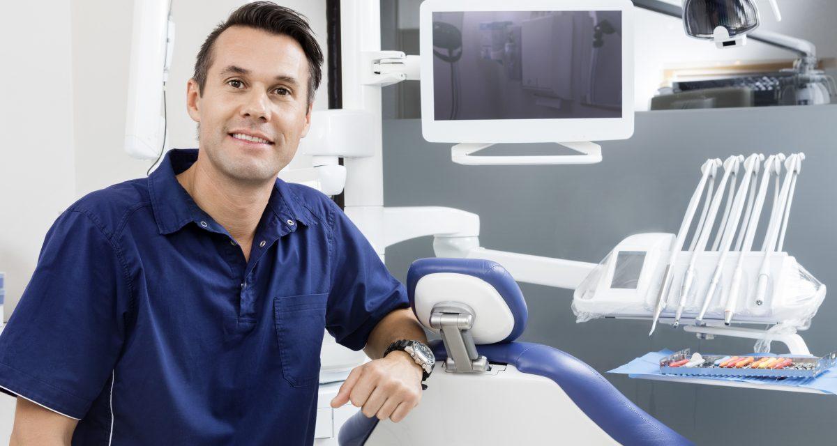 Portrait eines Zahnarztes